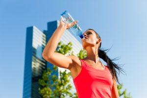 מאמץ וחיזוק שגוי של שרירי הבטן כזרזים לנזקי רצפת אגן